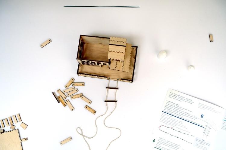 boomhutje, diy, kit, bouwpakket, hout,  handleiding, uitleg